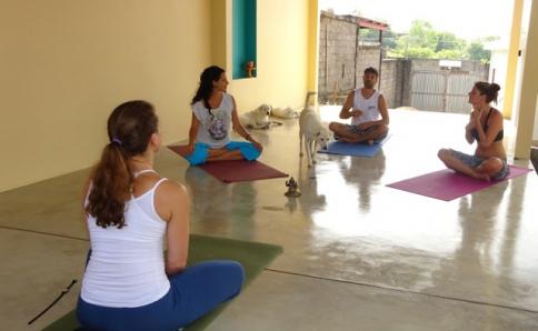 yoga am meer wellness ayurveda reisen deutsche gastgeber. Black Bedroom Furniture Sets. Home Design Ideas